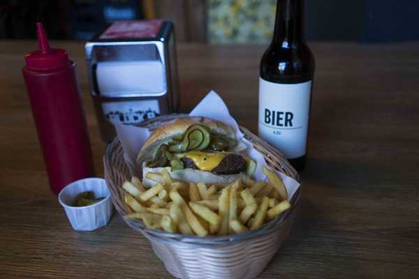 Cheesy burger and 'bier'